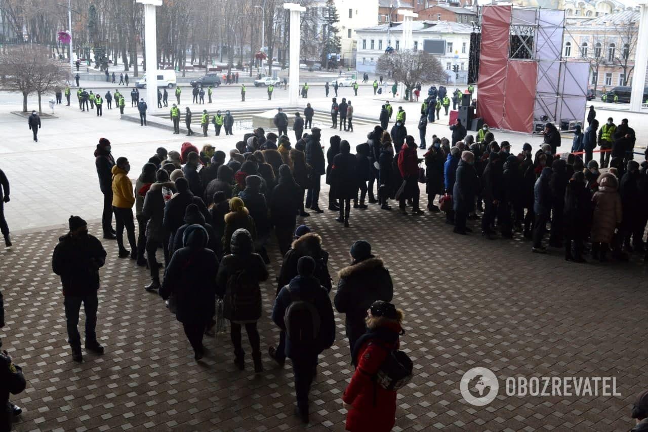 Харьковчане на похоронах Кернеса