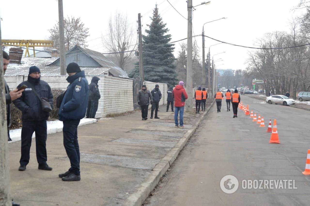 Возле кладбища в Харькове дежурило много полиции