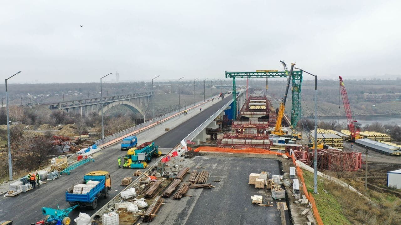 Будівництво мосту почали ще 2004 року