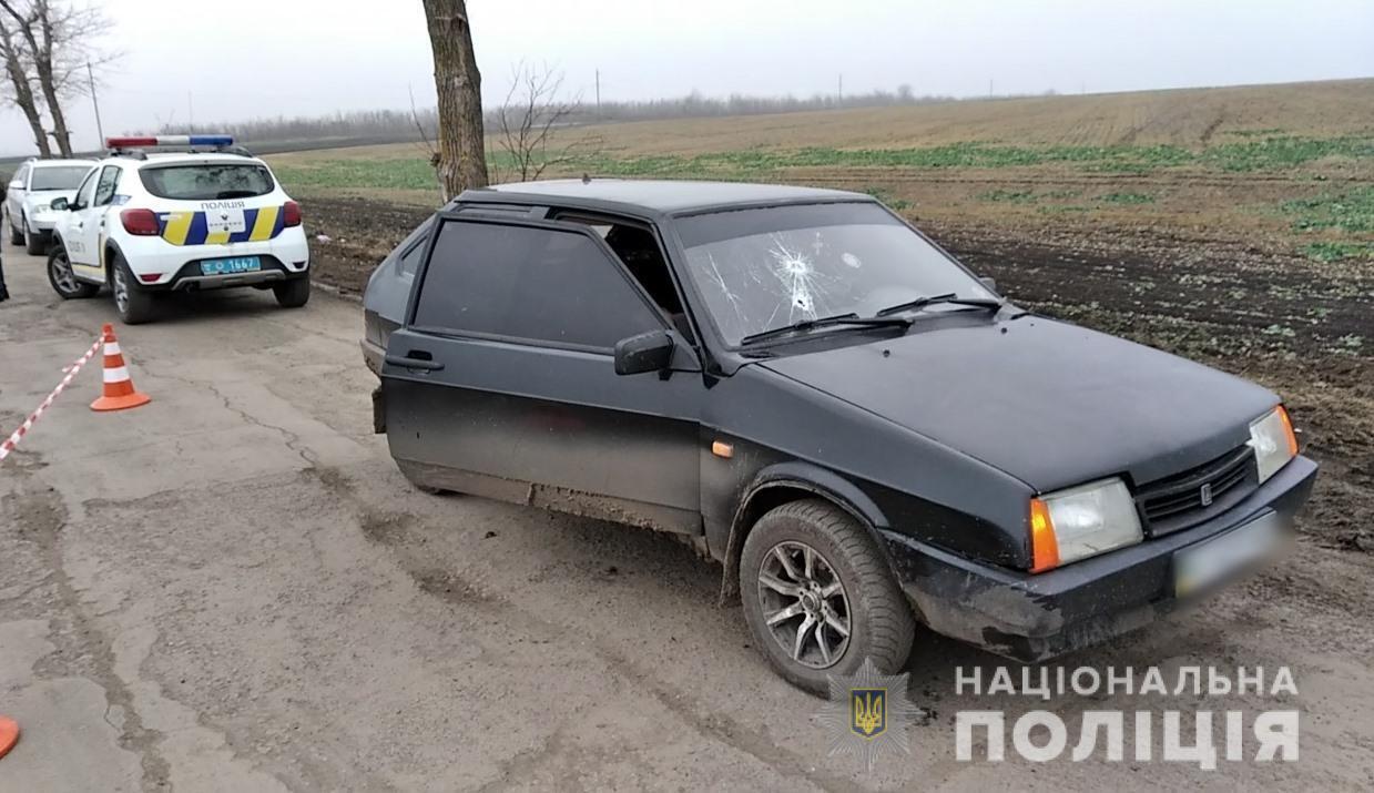 В автомобиль ВАЗ выстрелили из ружья