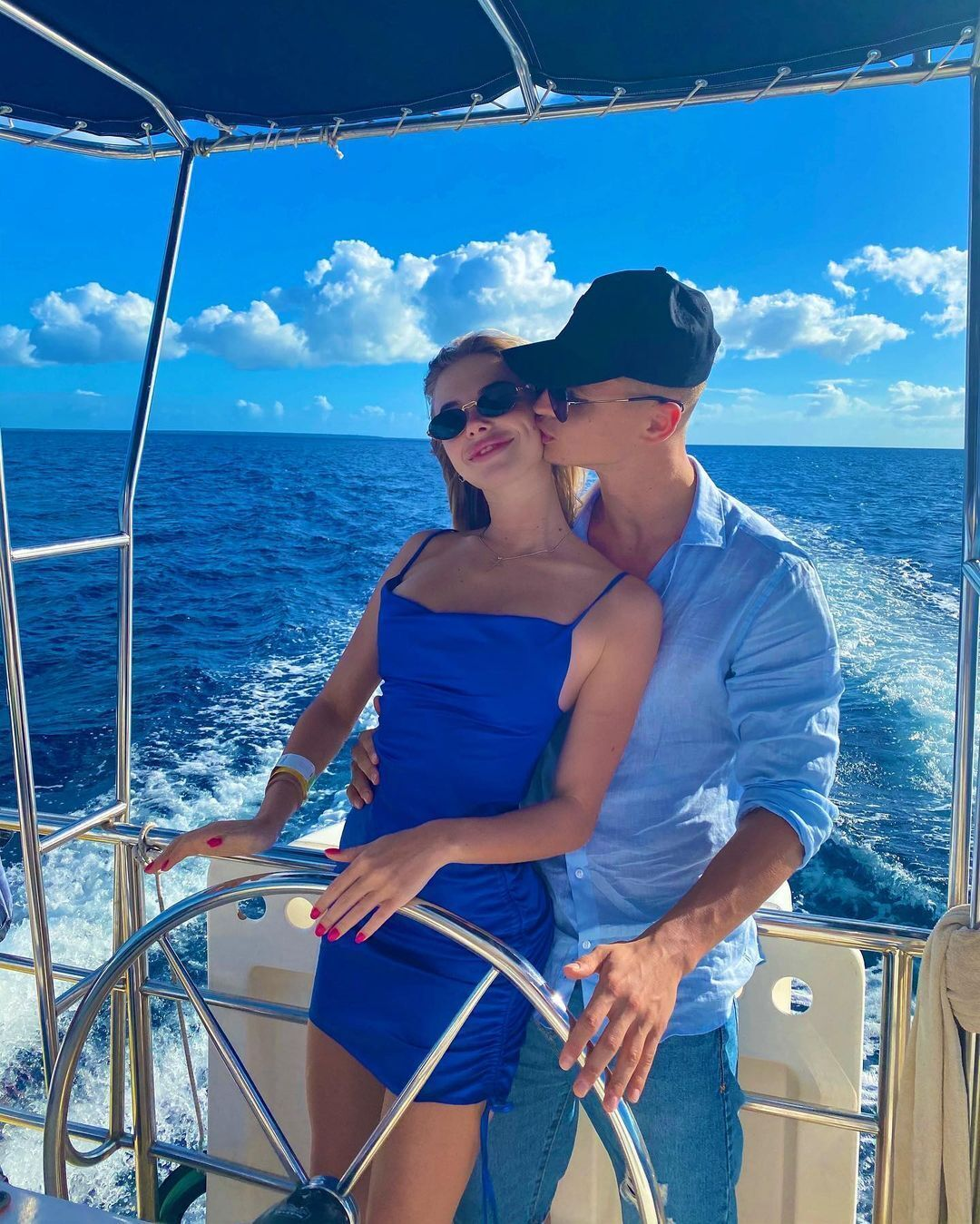 Даша Савіна з Валерієм Бондарем на яхті