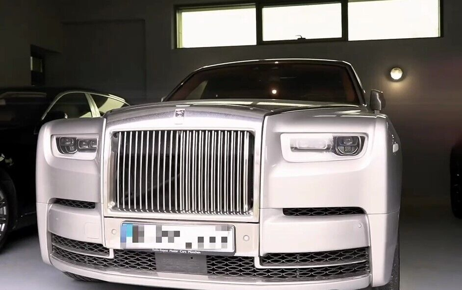 """Кроме """"Ламбы"""", был арестован также и Rolls-Royce Phantom"""