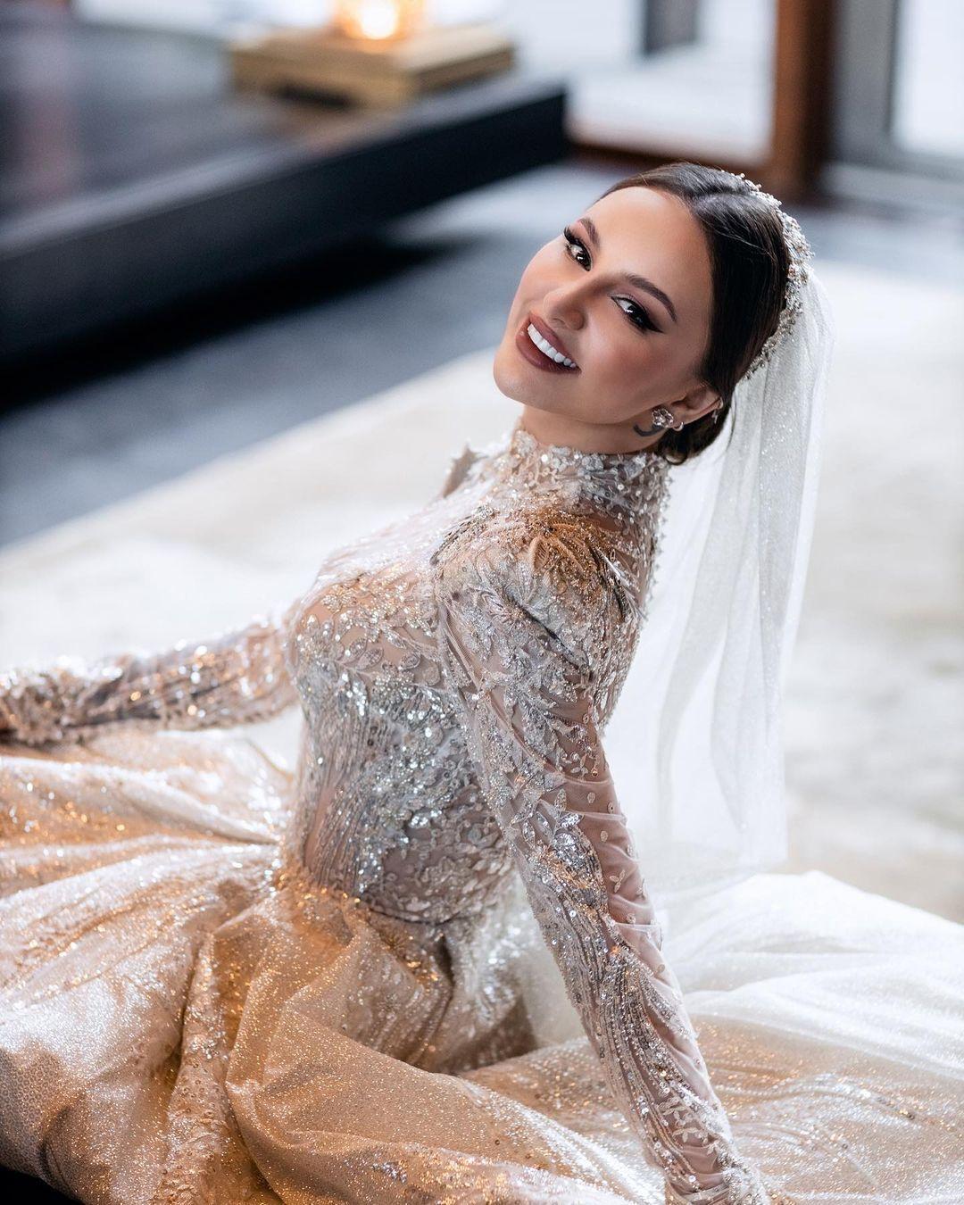 Який вигляд мала Asti на весіллі