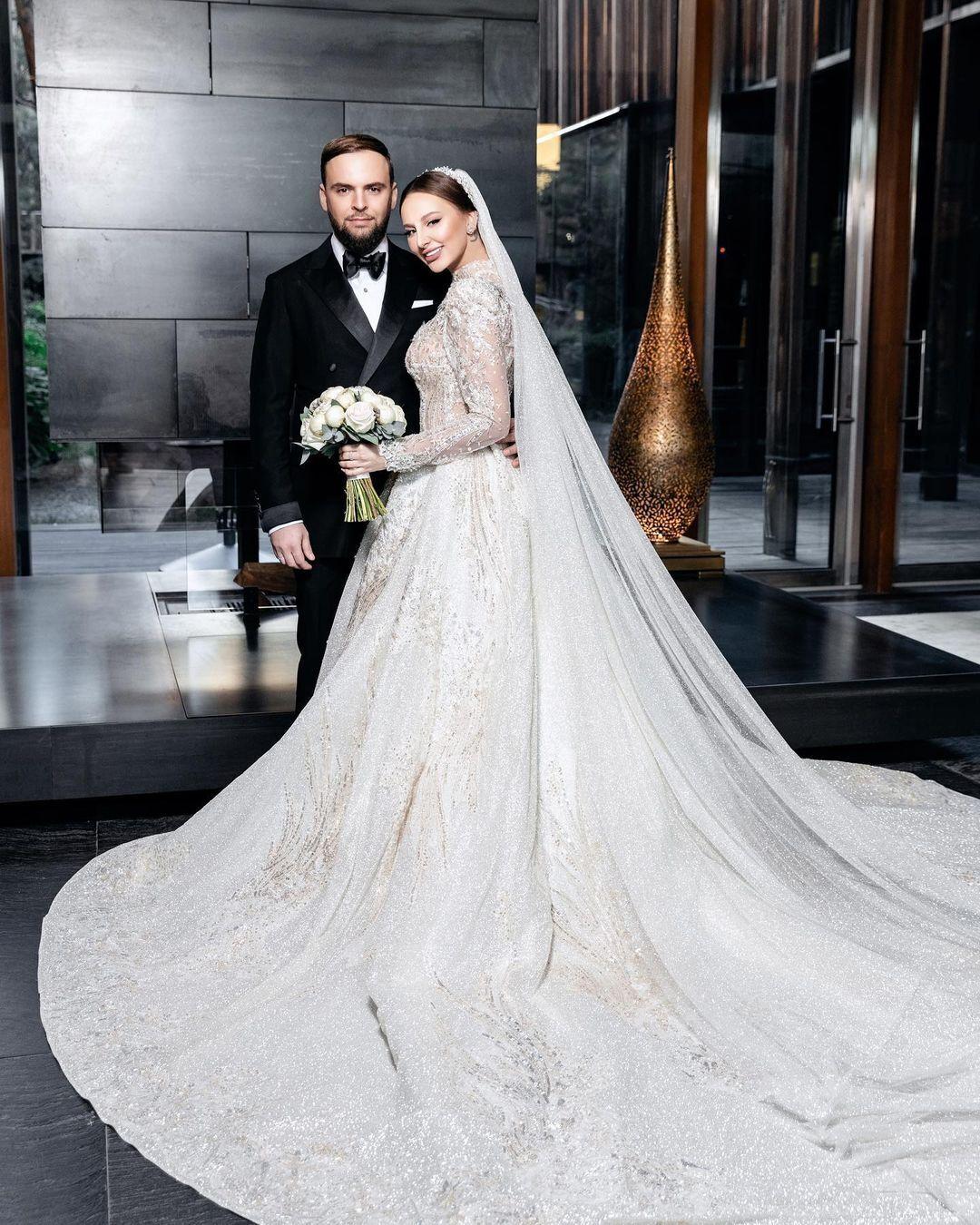 30-річна Asti вийшла заміж за свого коханого