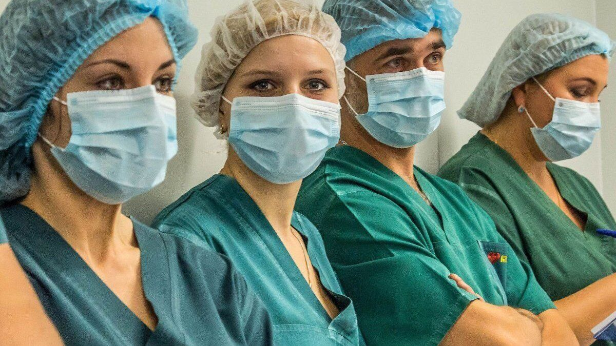 Медики потребовали обещанного повышения зарплат