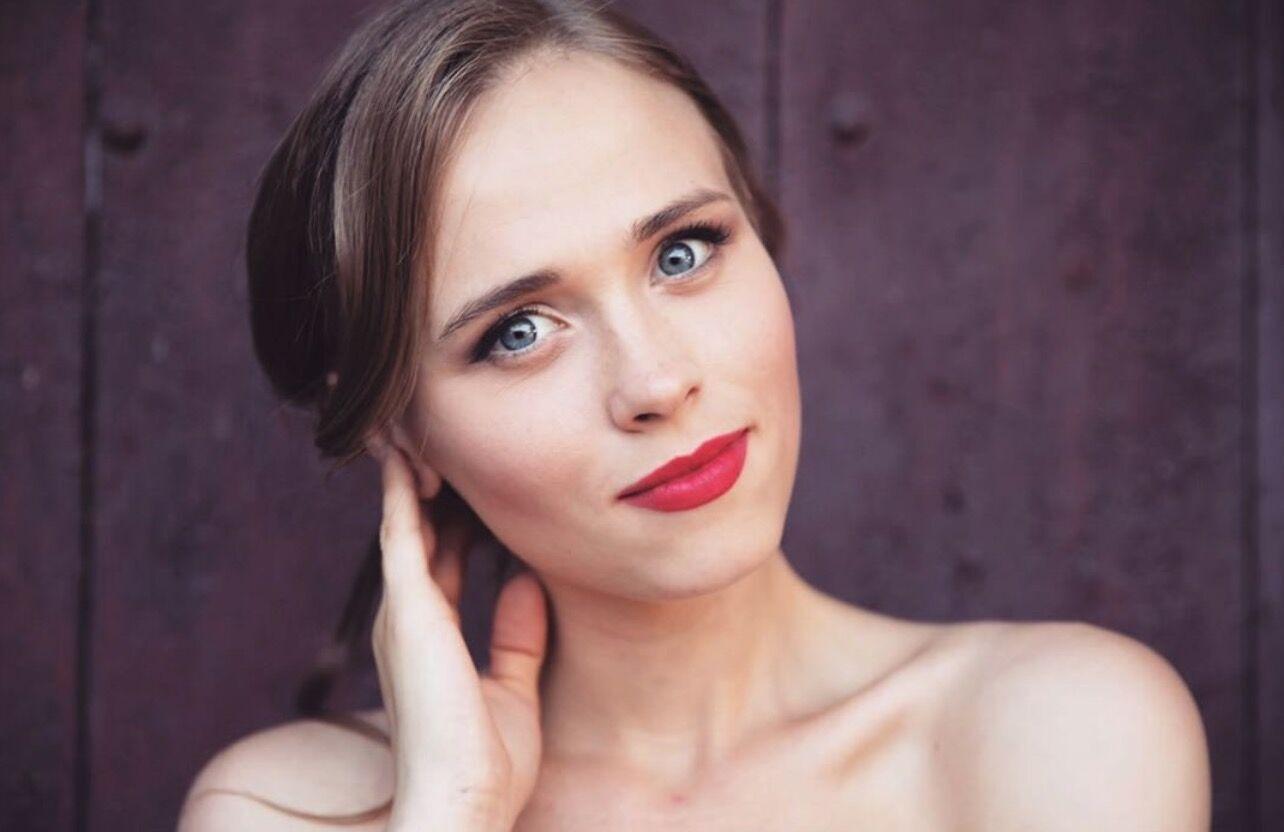 Українська актриса Анна Кошмал