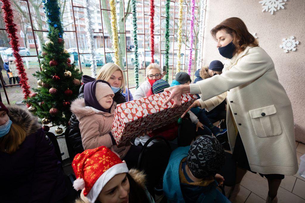 Вихованці центру з Мариною Порошенко