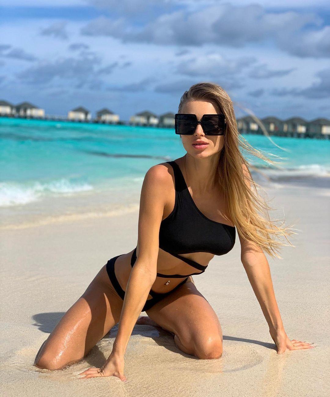 Юлианна на пляже