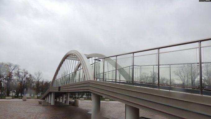 В Криму тріснула копія Кримського моста