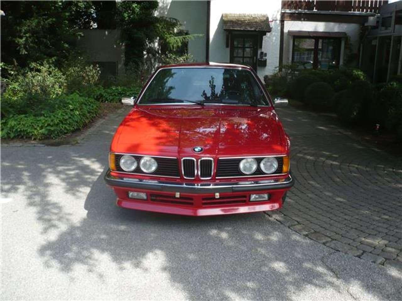 Першому власнику рестайлінговий BMW 635 CSi доставили у січні 1985 року