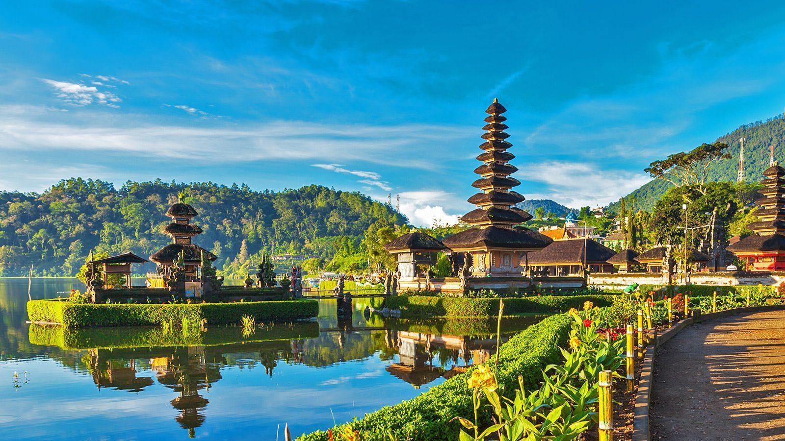 В Индонезии вводят ограничения для туристов