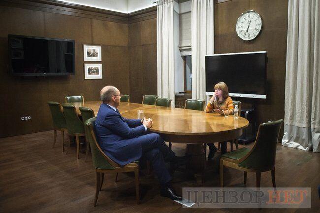 Максим Степанов на інтерв'ю