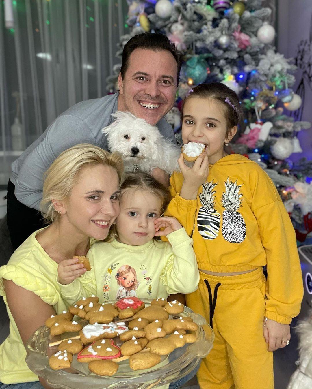 Лілія Ребрик з чоловіком та дітьми