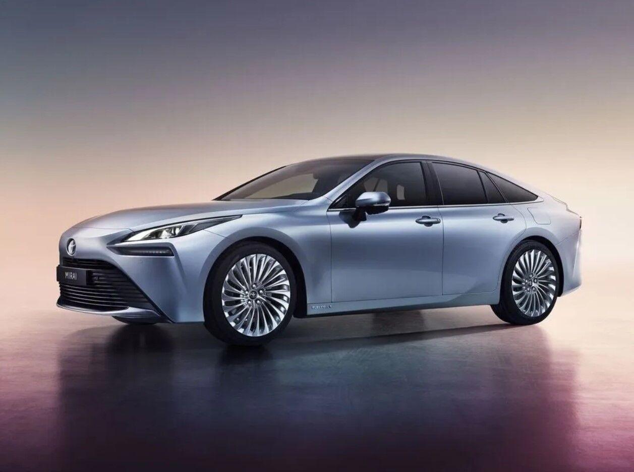 Нова Toyota Mirai по-справжньому покаже, що таке водень