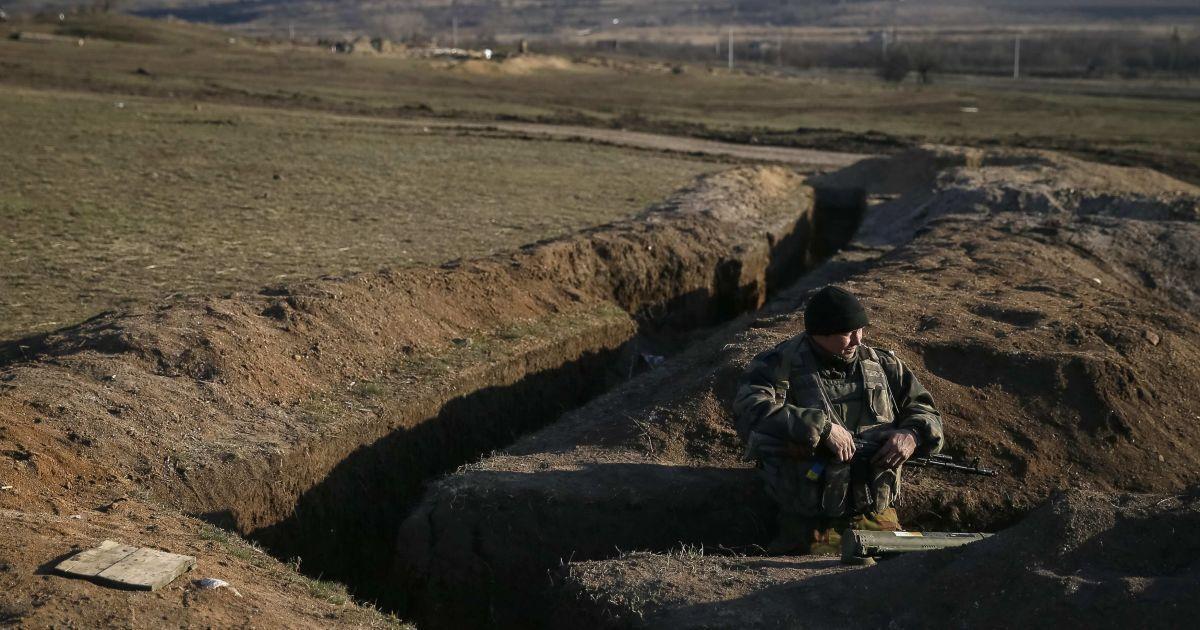 """Украинским военным длительное время запрещалось укреплять позиции во время """"перемирия"""", тогда как противник делал это постоянно"""