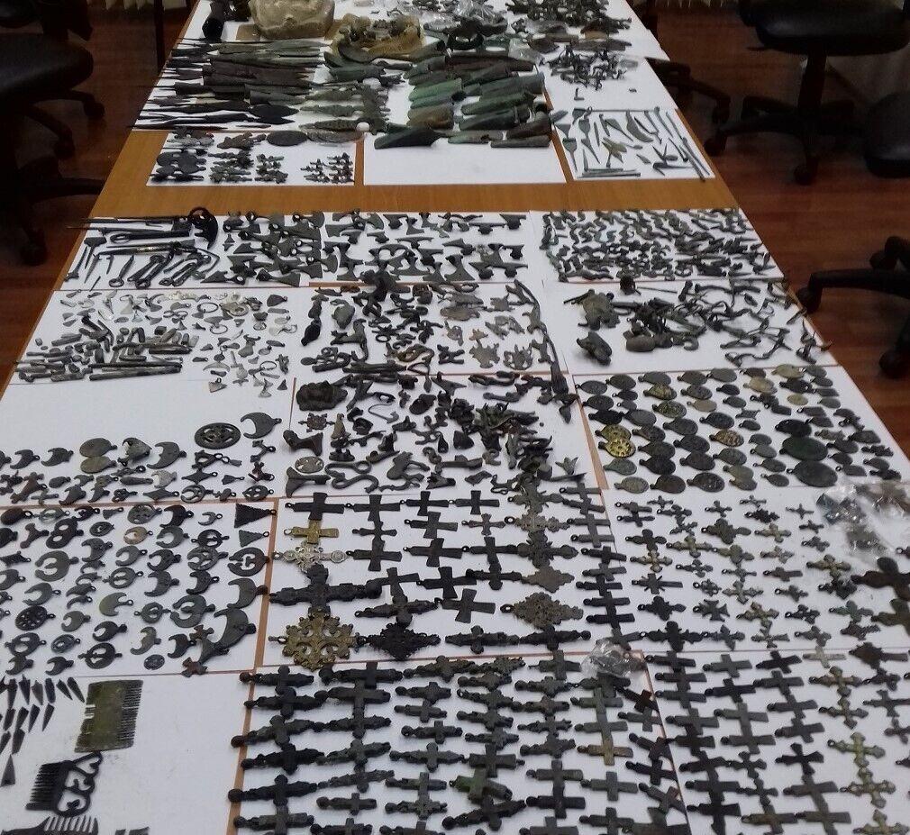 Обнаружено более 2 тысяч антикварных предметов