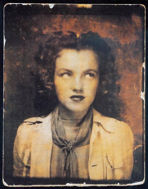 Мерилін Монро в 12-річному віці