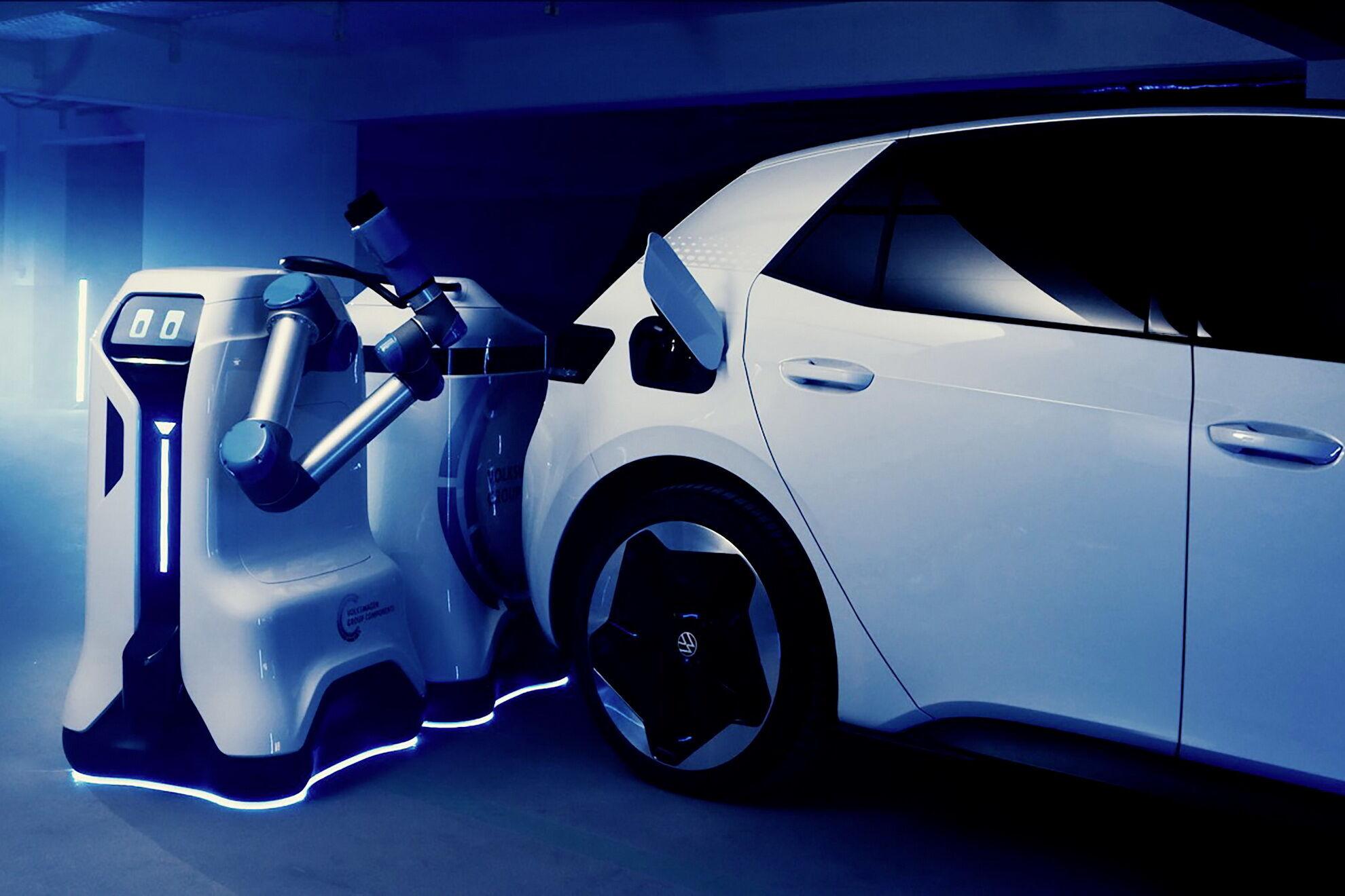 Роботы будут выполнять полностью автономную зарядку электромобиля на закрытых паркингах