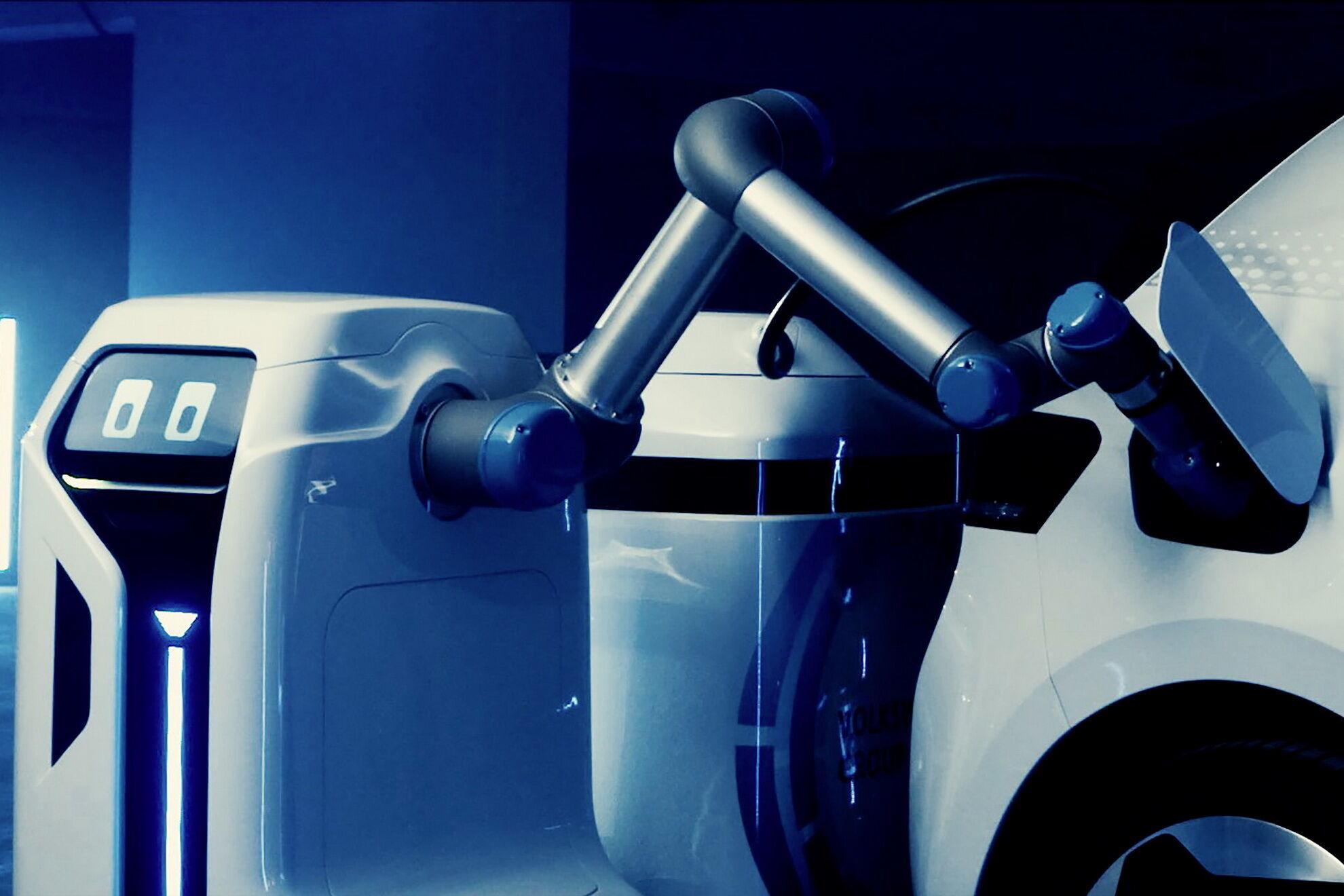 Робота можно включить через приложение или с помощью связи Car-to-X