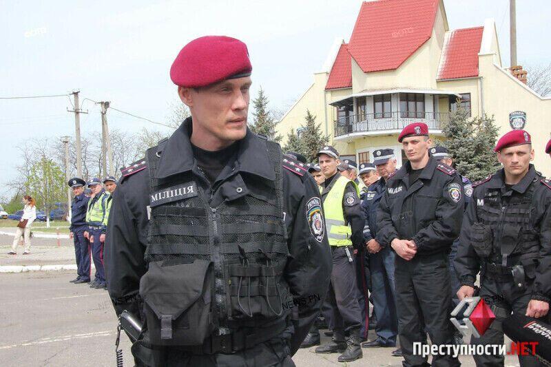 Дмитрий Анцупов во время учений на блокпосту, апрель 2014 года, Николаев