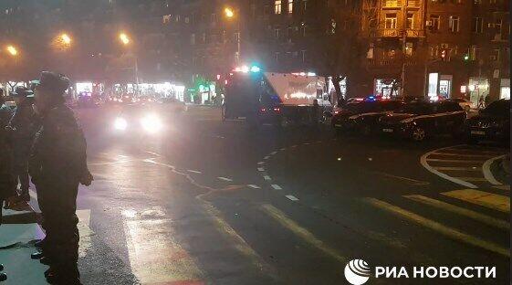 Полиция задержала протестующих на проспекте Тиграна Меца.