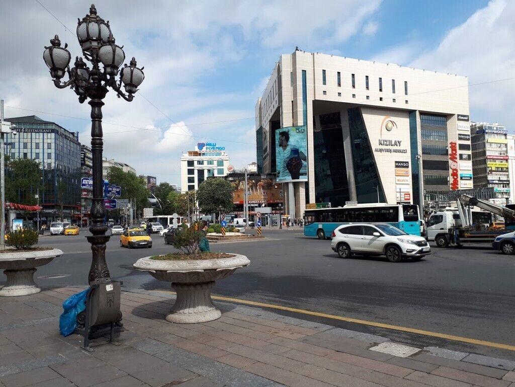 Площадь Кызылай в Анкаре