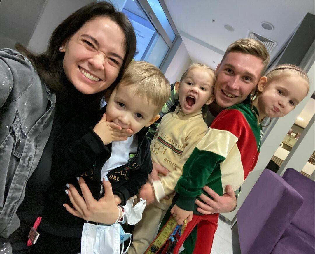 Анна Сидорчук с семьей