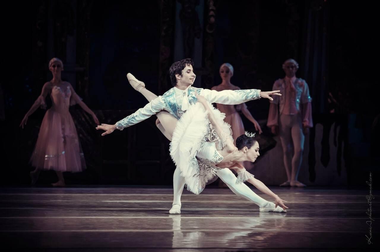 Катерина Кухар та Олександр Стоянов під час виступу.