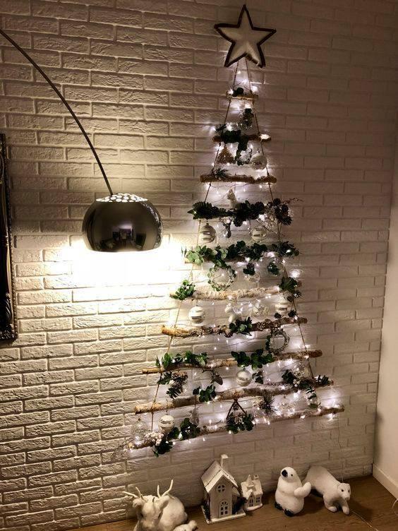 Ялинка на стіні