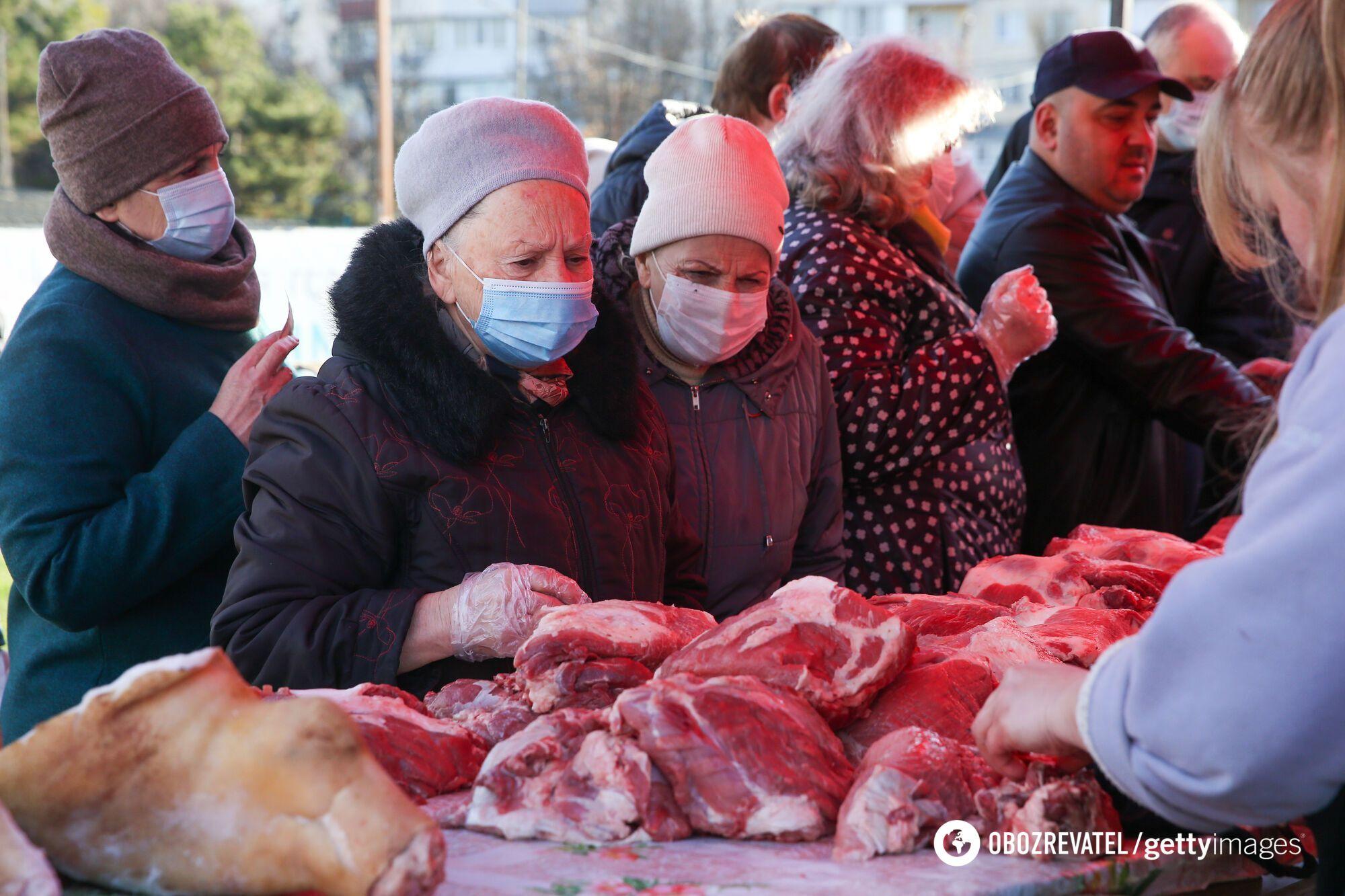 """Жителі Криму скаржаться на високі ціни на продукти через росіян, що """"понаїхали"""""""