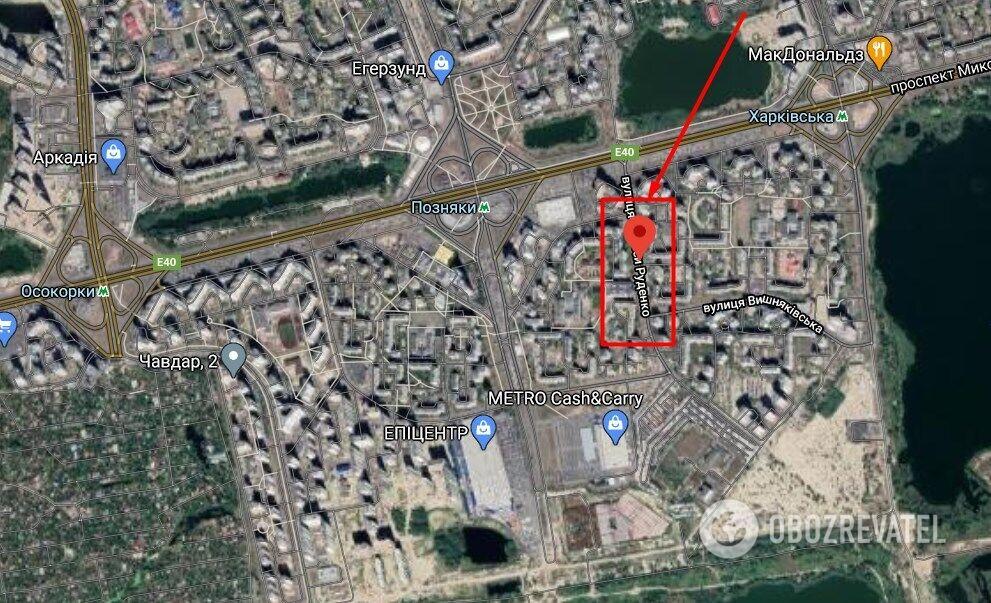Нападение произошло в многоэтажном доме на ул. Ларисы Руденко в Киеве