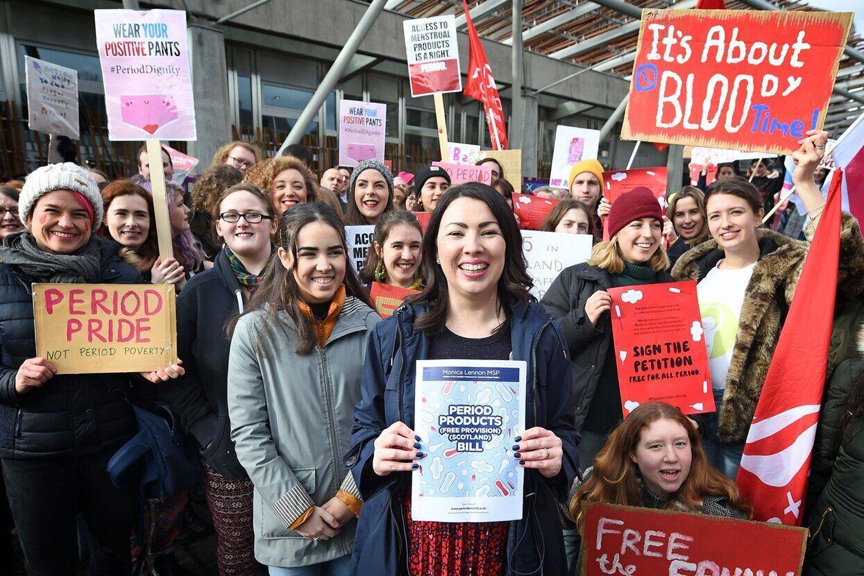 Шотландія - перша в історії країна, яка прийняла закон про безкоштовні засобах жіночої гігієни під час менструації