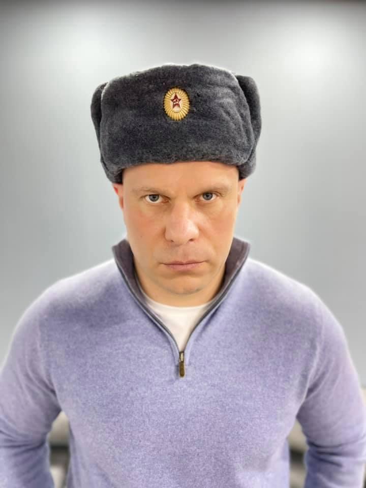 Илья Кива в советской шапке-ушанке