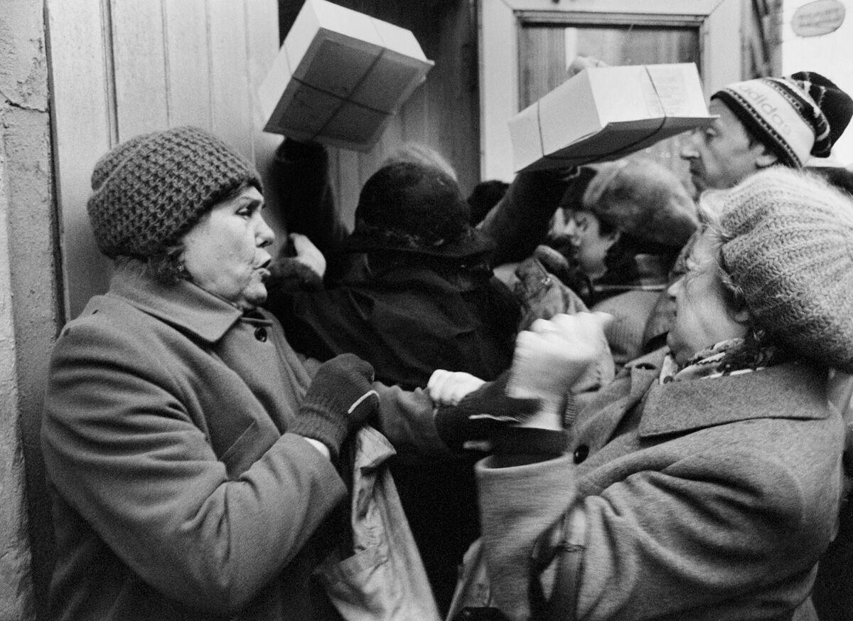 Черга за тортами, 1980 роки