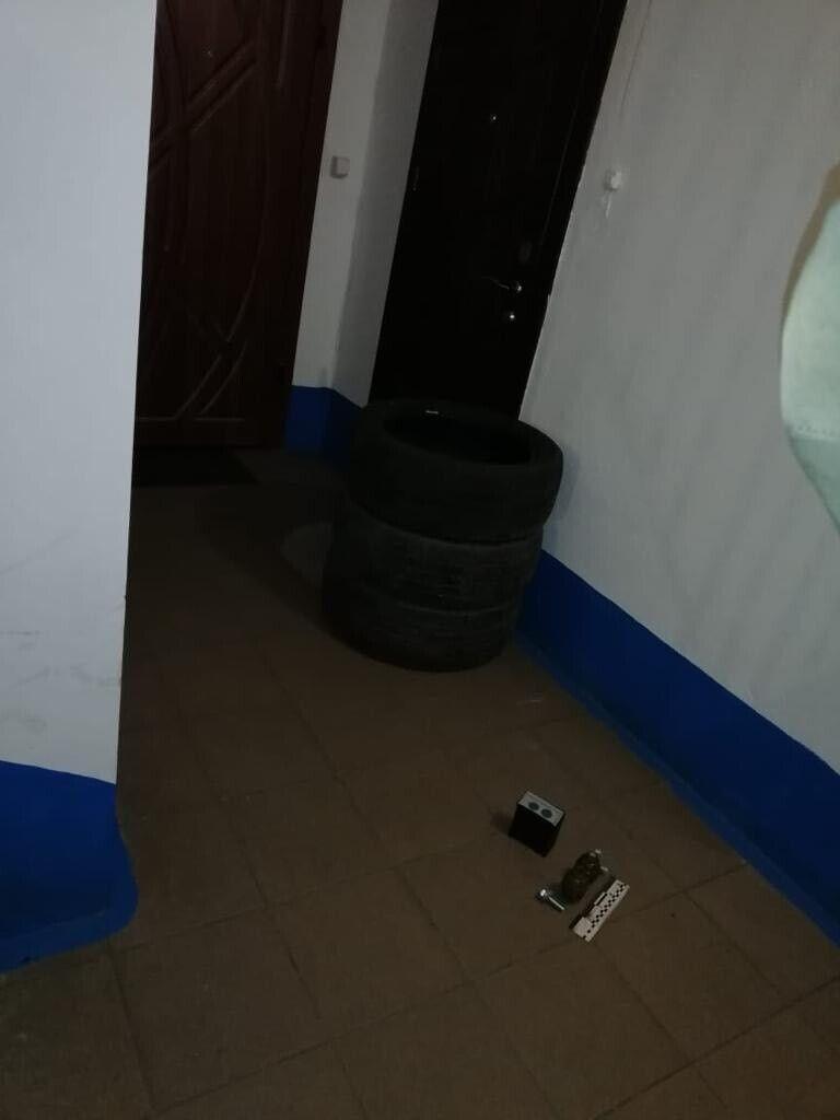 В Ривне подбросили гранаты под дверь мамы Шабунина