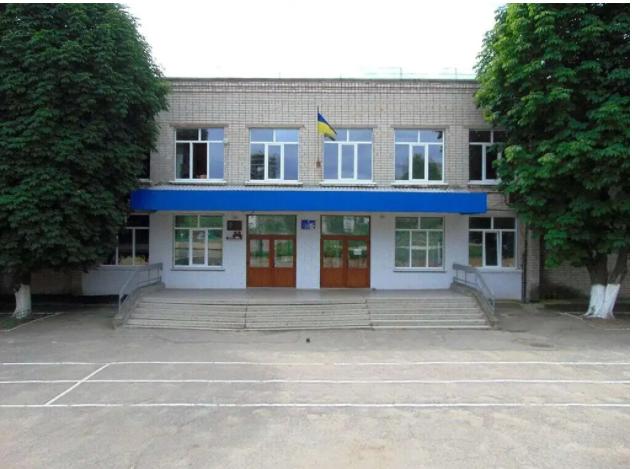 В школе №16 детей продолжают учить русскому языку