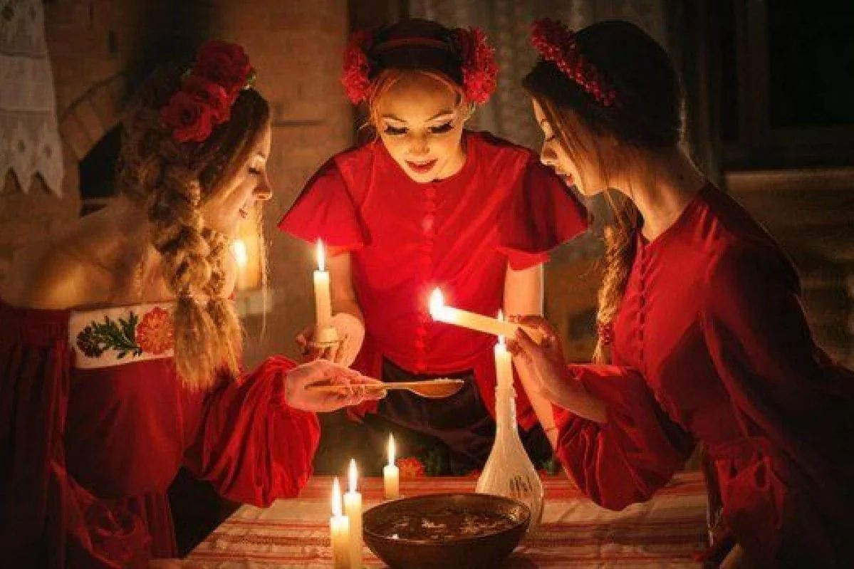 Напередодні Катерини дівчата збиралися на вечорниці і ворожили на судженого