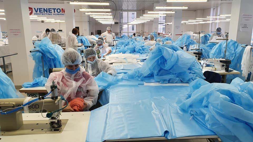 """Китай не пройдет! Украинская компания """"ВенетоМед"""" шьет костюмы медзащиты"""