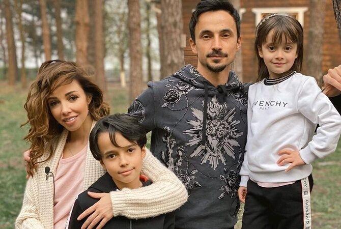 Кухар і Стоянов з дітьми.