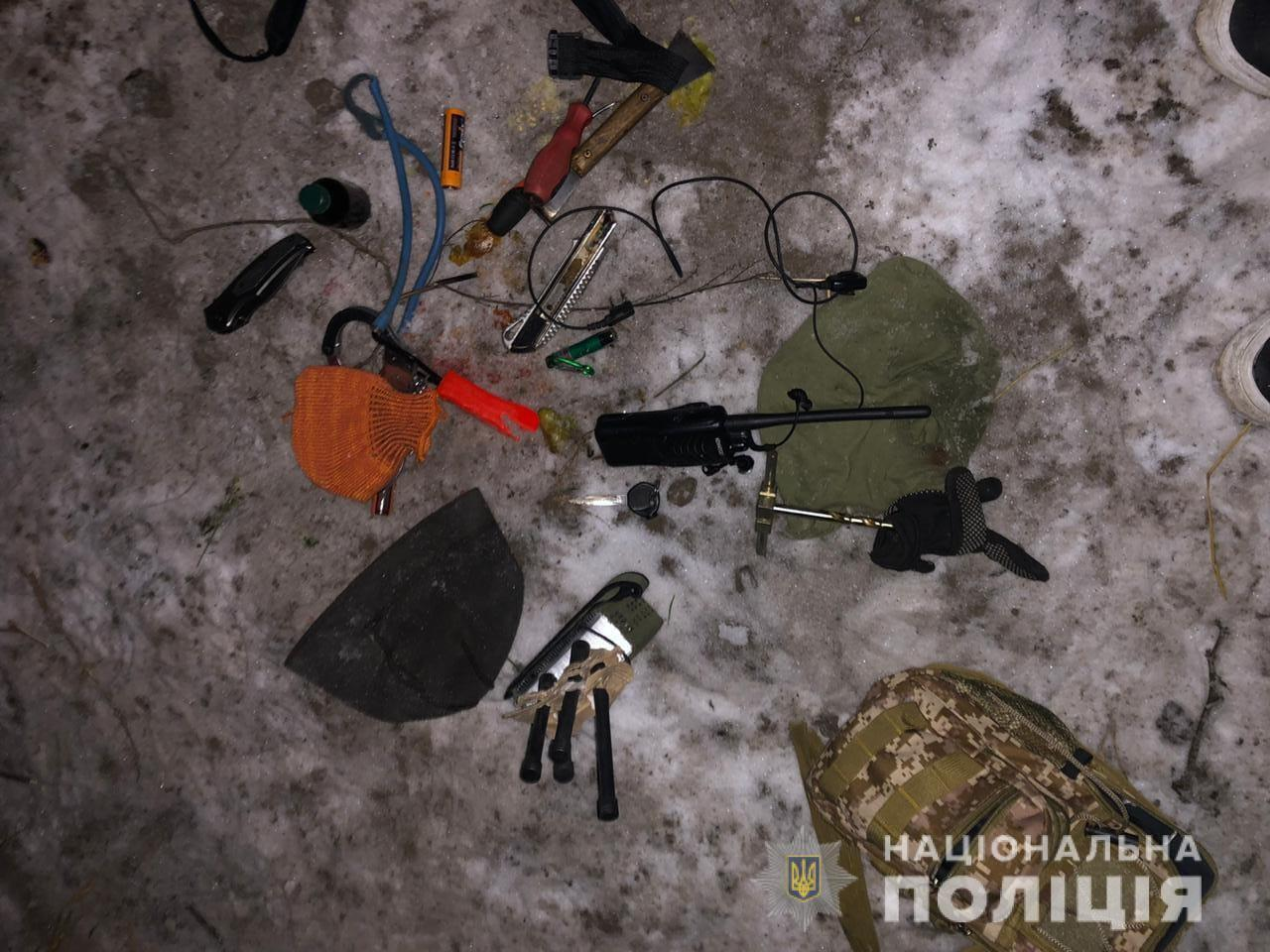 Во время операции по задержанию, в полицейских бросили гранату
