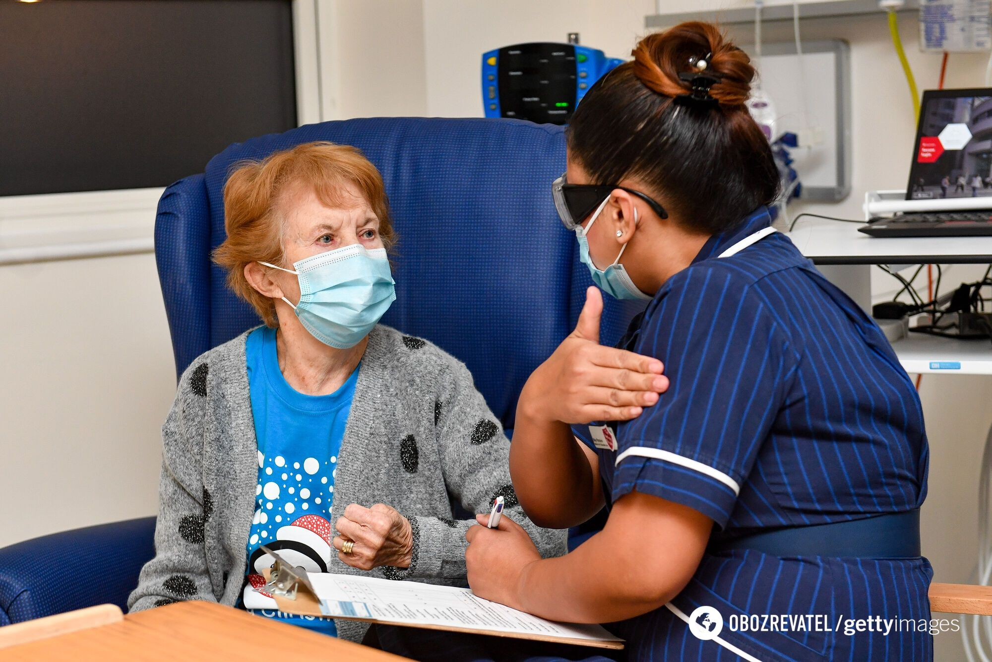 Маргарет Кинан первой в Британии получила вакцину