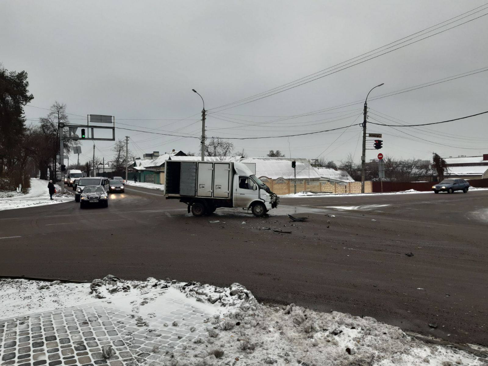 Авария на перекрестке в Черкассах