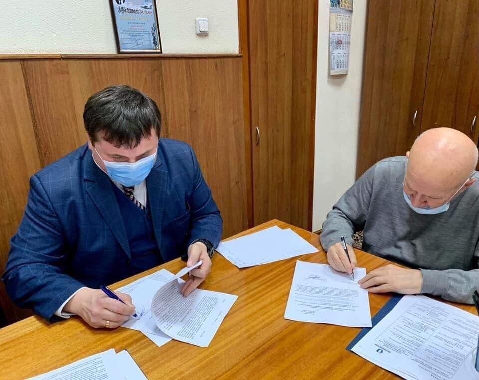 Юрий Гусев подписал контракт