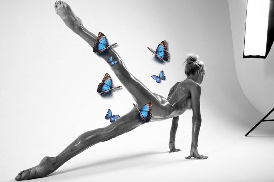 Юлия Реутова с бабочками