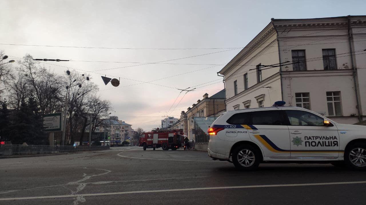 Полиция перекрыла движение транспорта