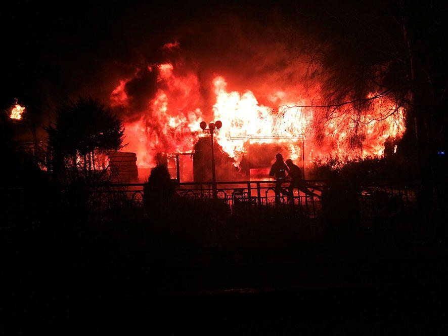 У Будинку дворянського зібрання в Полтаві обвалився дах і згоріли обидва поверхи.