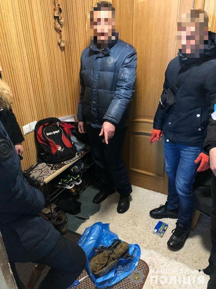 На Киевщине мужчина хранил дома наркотиков на 2 млн