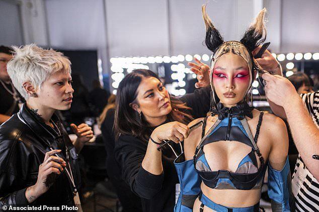 Порнозірки вийшли на подіум на тижні моди в Нью-Йорку