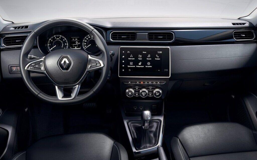 На даний момент кросовер Renault Arkana отримав салон Duster