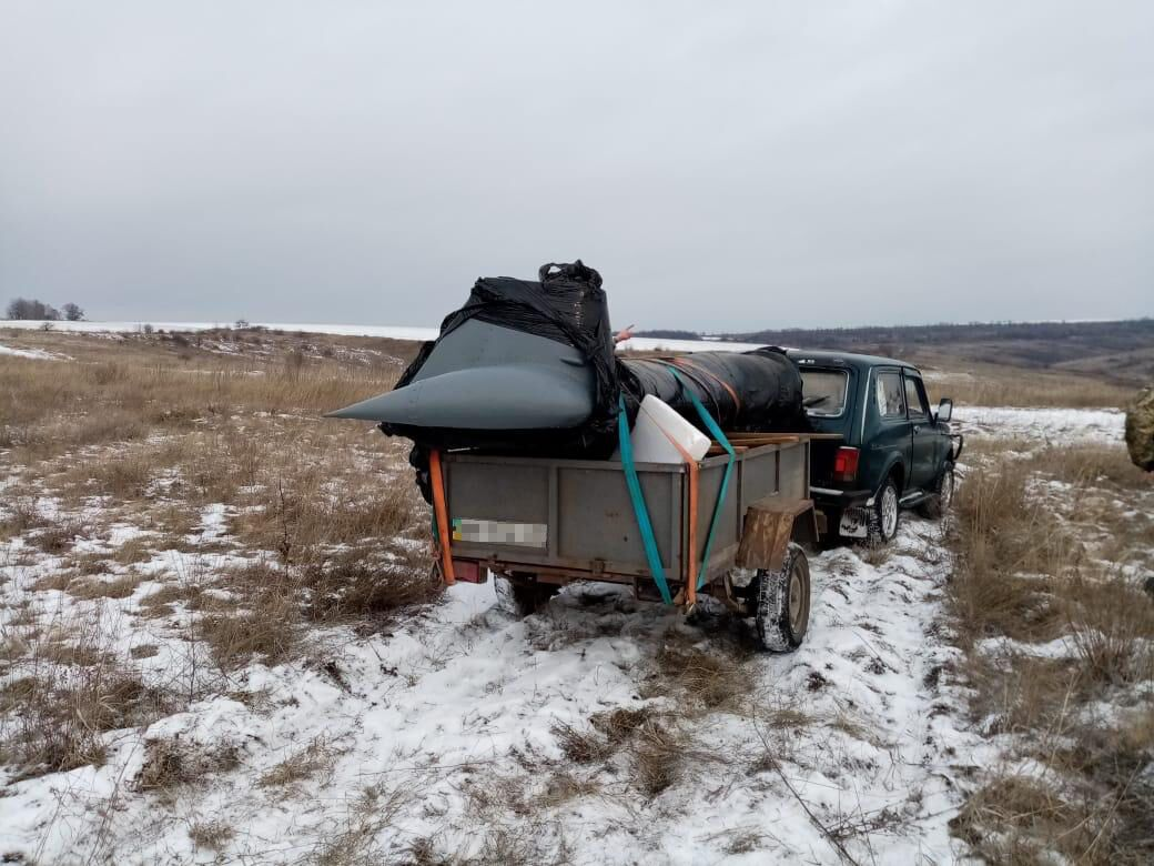 СБУ задержала контрабандиста с частью вертолета на границе с РФ